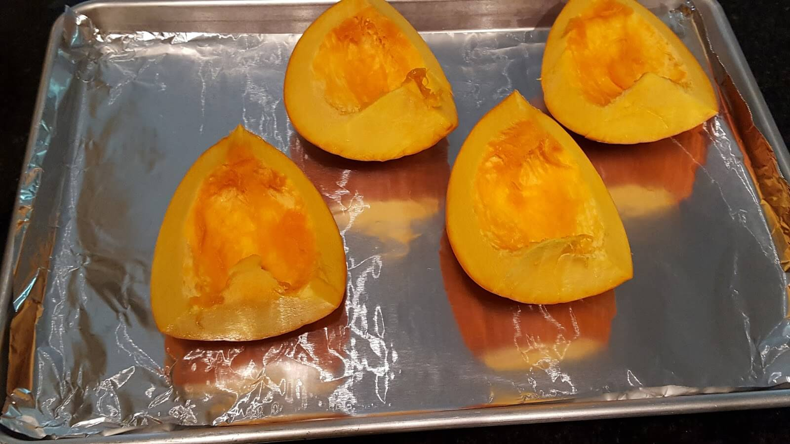 Baking pie pumpkin to make puree