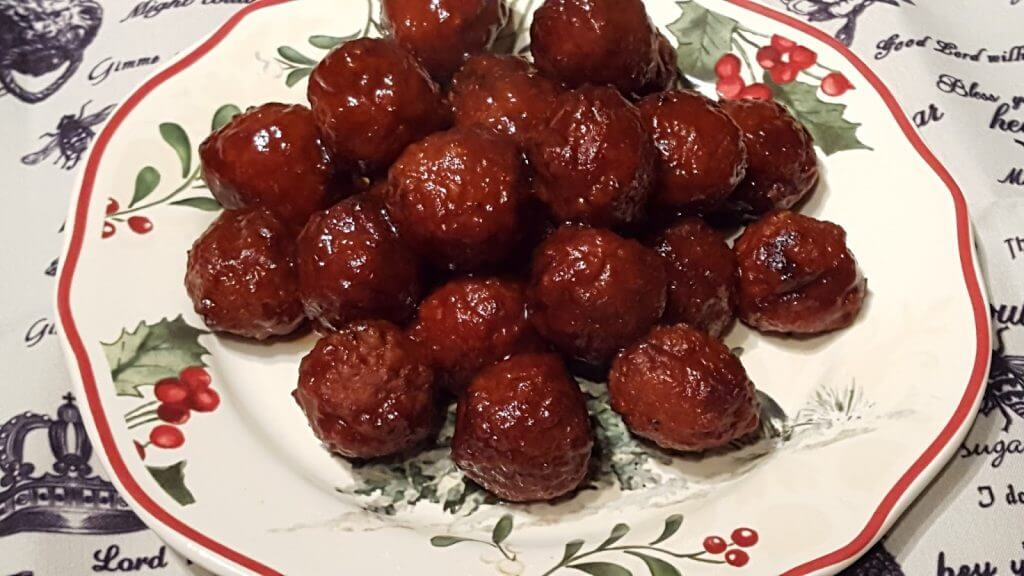 Southern Meatball Appetizers with Grape Jelly and Chili sauce