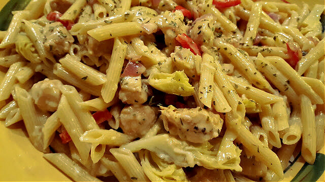 Alfredo pasta bowl with chicken and vegetables