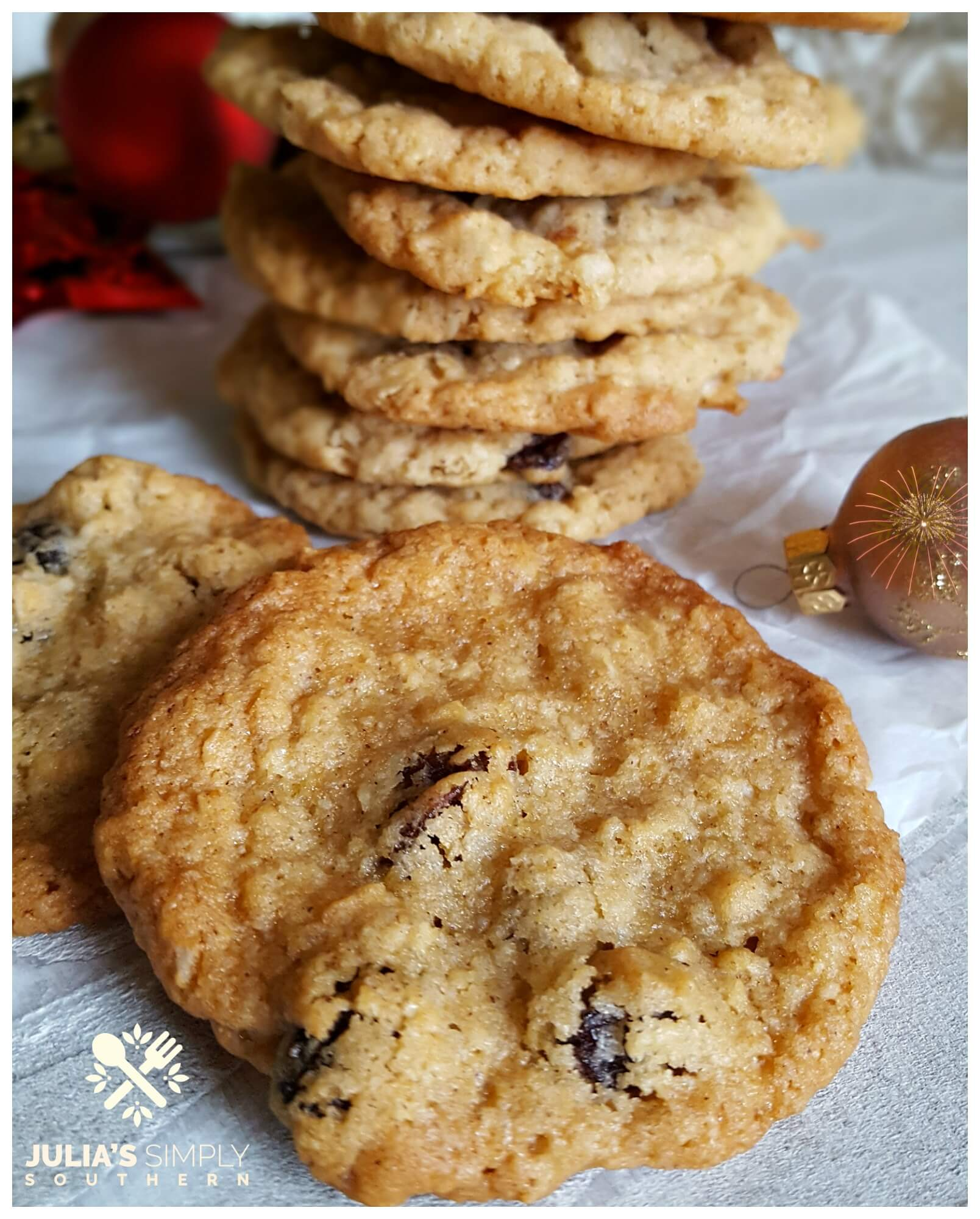 Most delicious oatmeal raisin cookies - soft and chewy