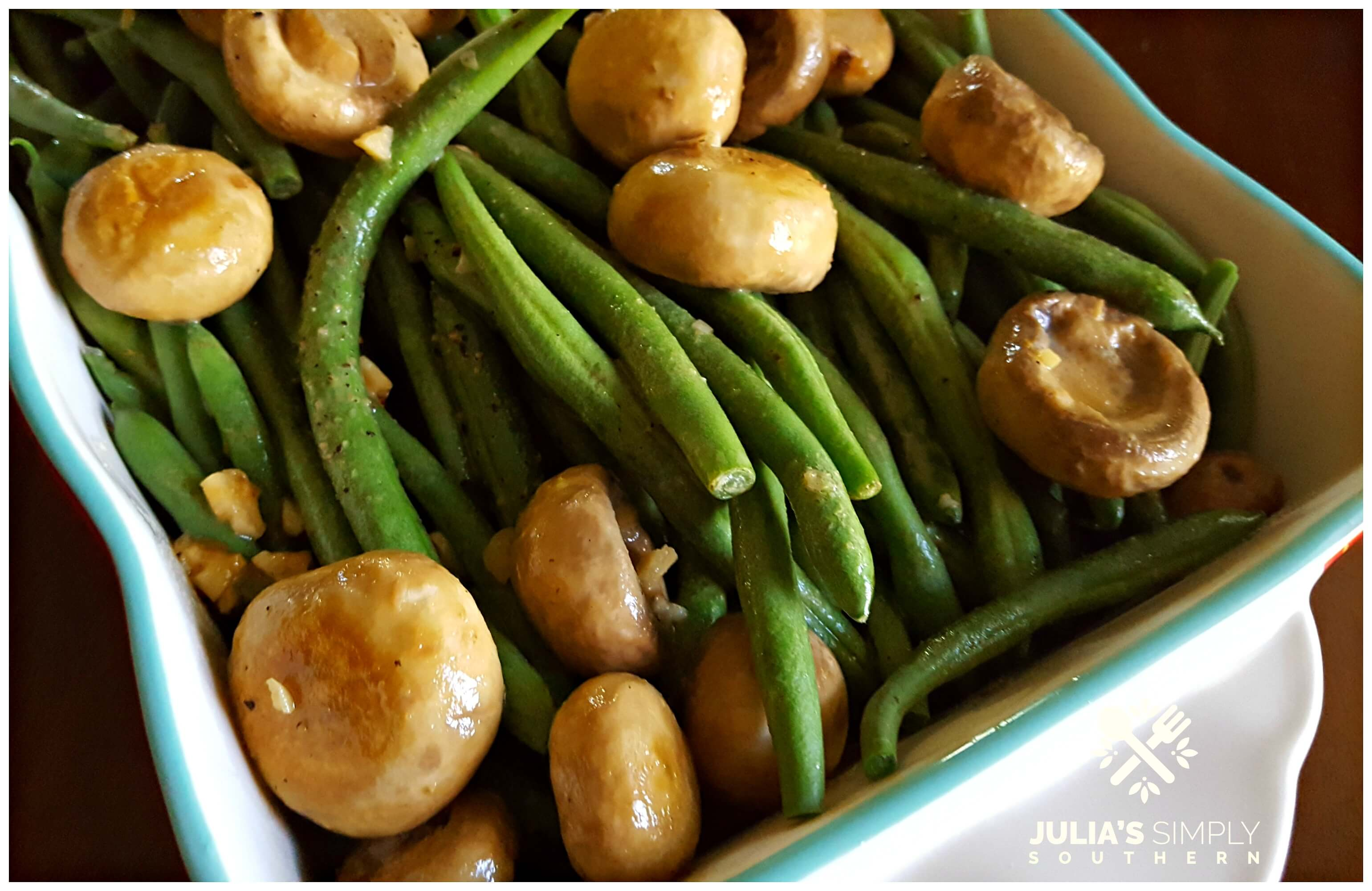 Green Beans with Mushrooms in a delicious sauce