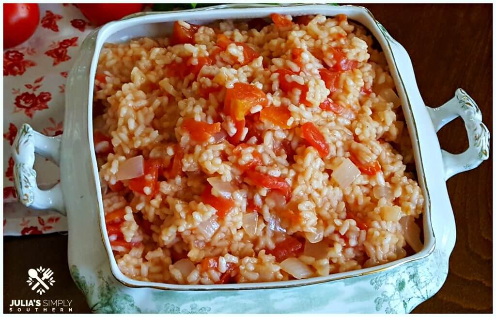 Rice with tomatoes and onion