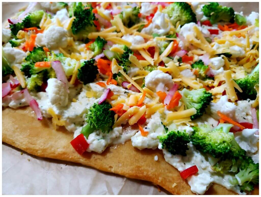 Pillsbury crescent roll dough appetizer pizza