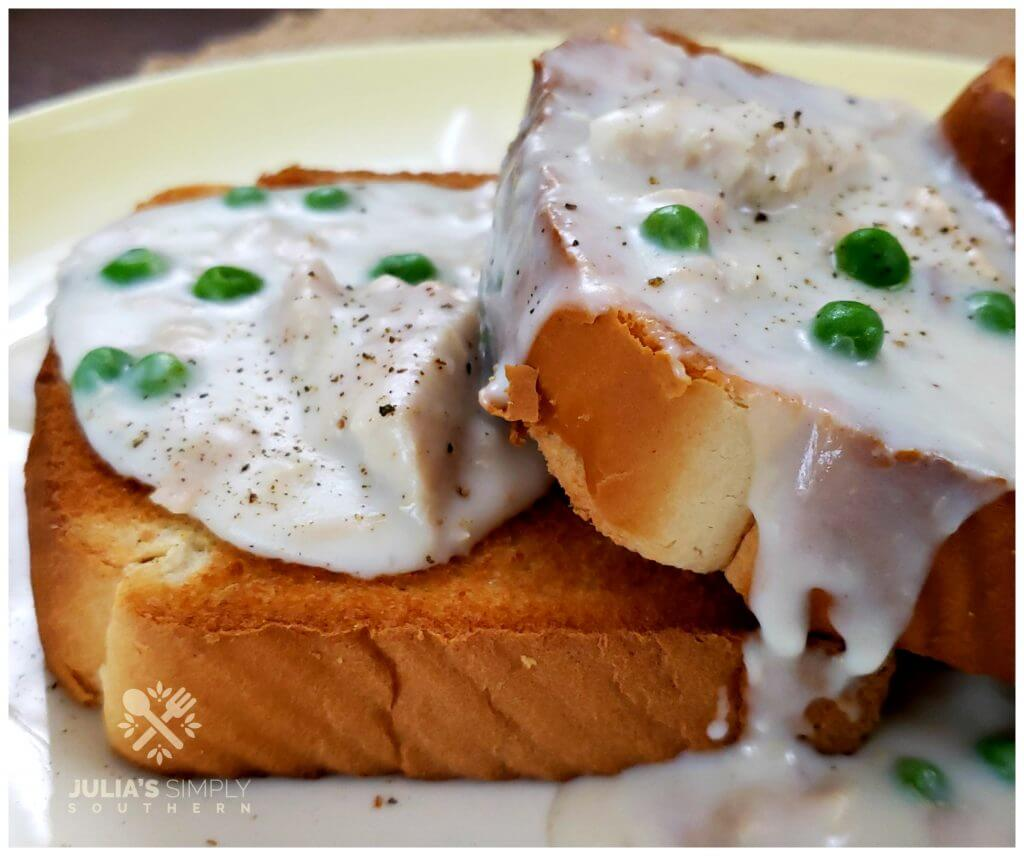 Texas Toast with Creamed Tuna and peas