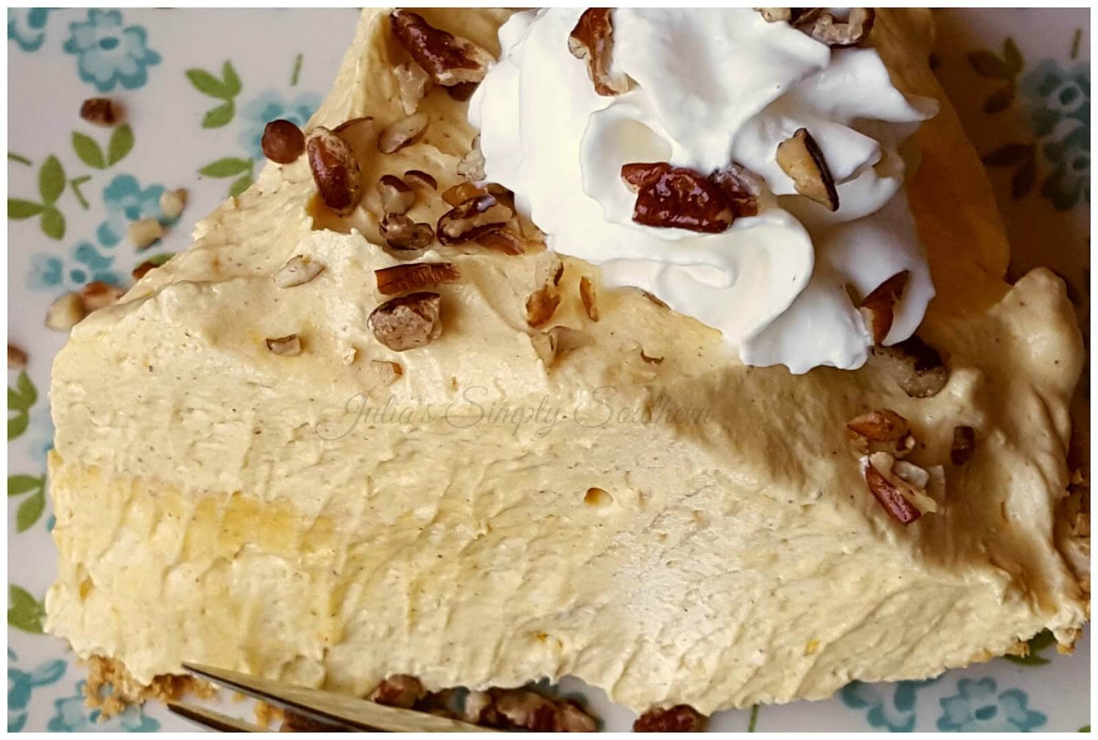 Delicious No Bake Pumpkin Pie Dessert
