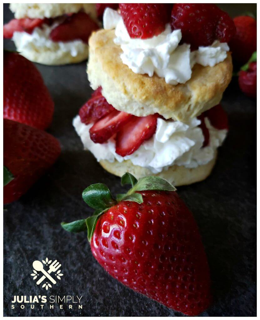 Easy strawberry shortcake - individual